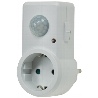 Intermediate plug with PIR motion detector 120 ° 7m Detection area